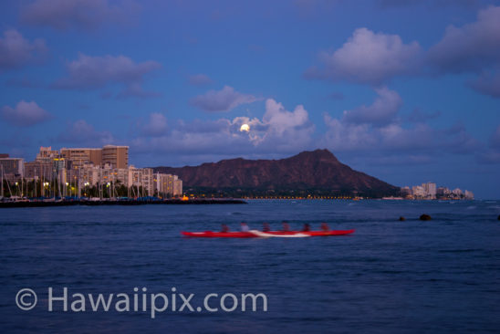 Paddling Diamond Head