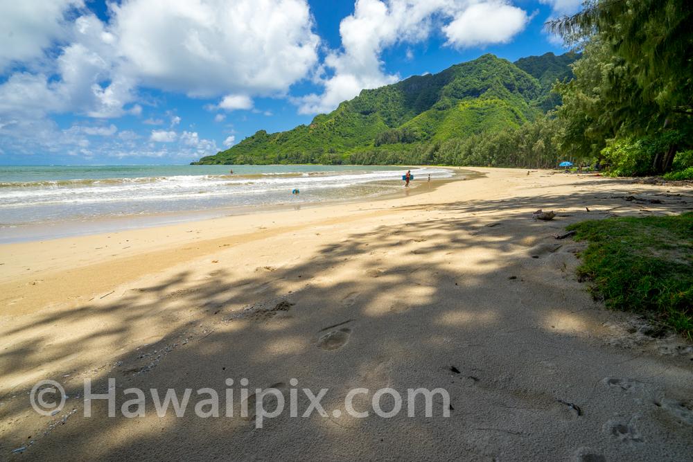 Kahana Bay Beach Park Footprints